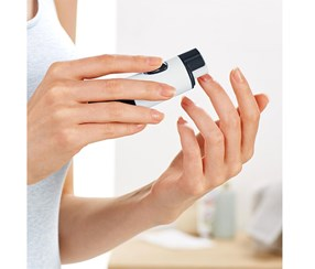 Nail Care Device, White/Navy