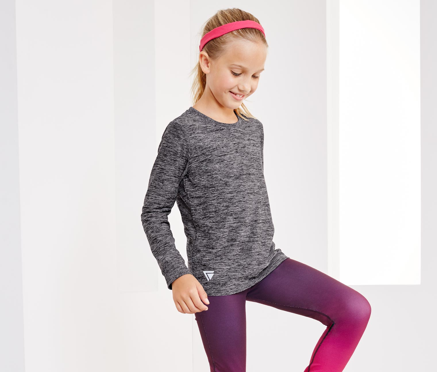 Girl's Performance Long-Sleeved Top, Gray