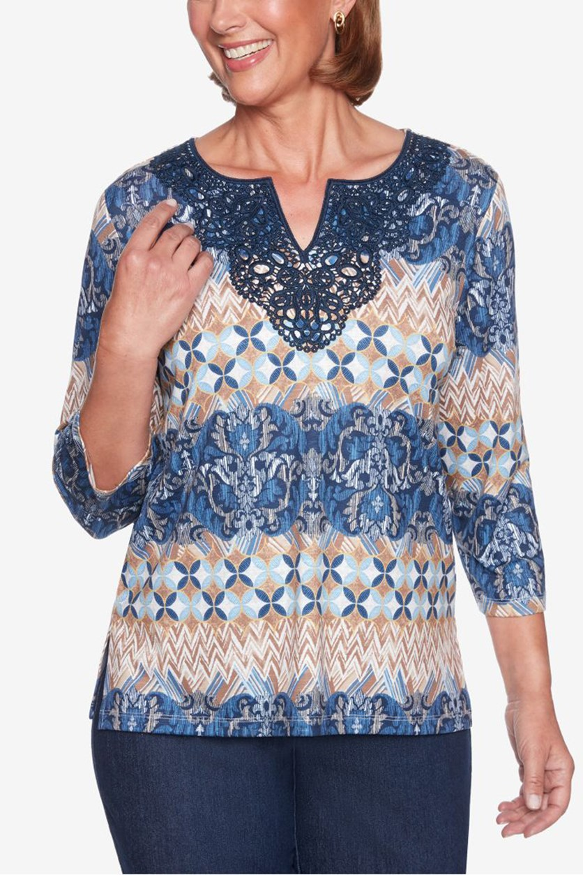 Women's Petites Printed Lace Pullover Top, Navy Combo