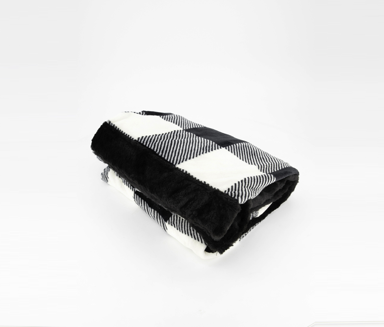 Holly Jolly Incredibly Soft Throws, Black/White