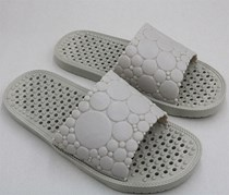 Men's Hole Sole Massage Slippers, Gray