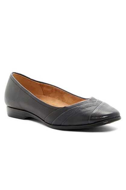 Naturalizer Women's Jaye Pleated Flats, Black