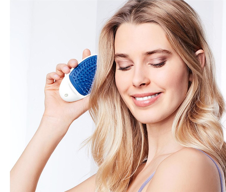 Hairbrush with Ion Function, White/Blue