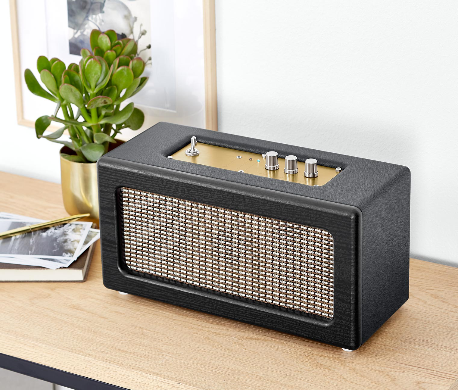Retro Bluetooth Speaker, Black/Gold