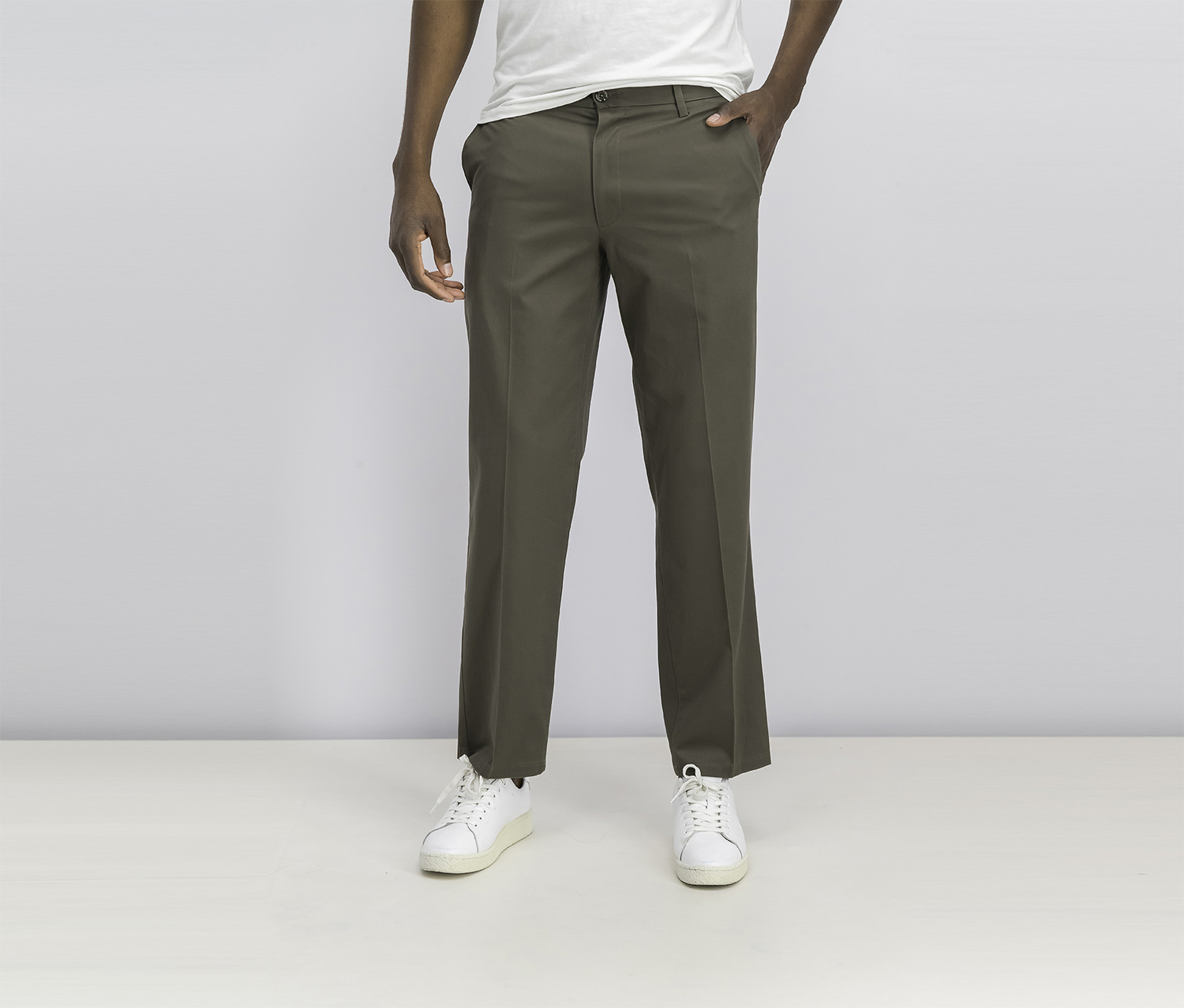 Men's Straight Fit Signature Pants, Dark Pebble