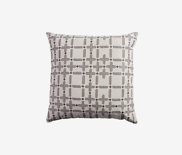Decorative Poly Filled Throw Pillow 50 x 50 cm, Ivory Combo
