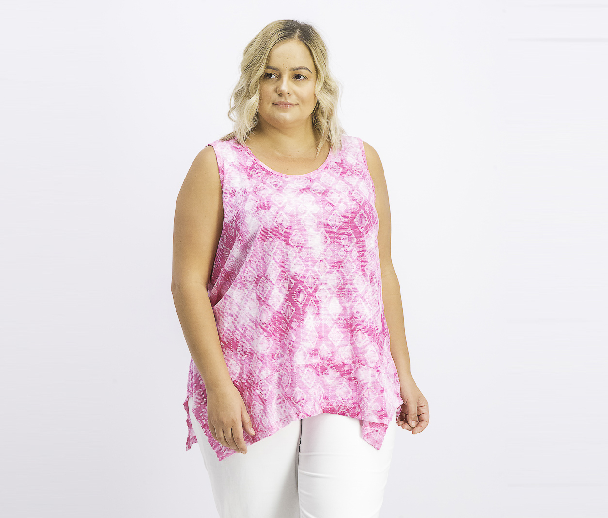 Womens Plus Size Printed Vented-Hem Top, Pink