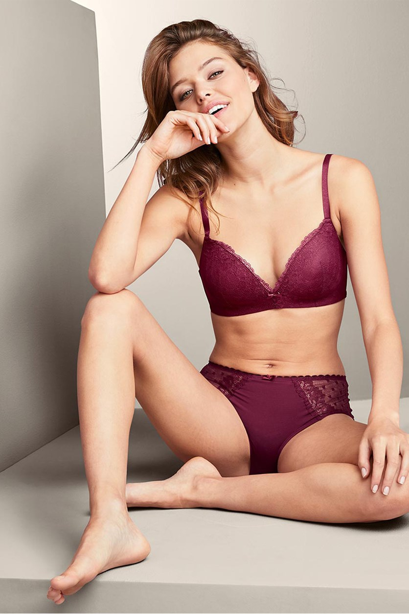 Women's Bra With Soft Cups And Decorative Lace, Maroon