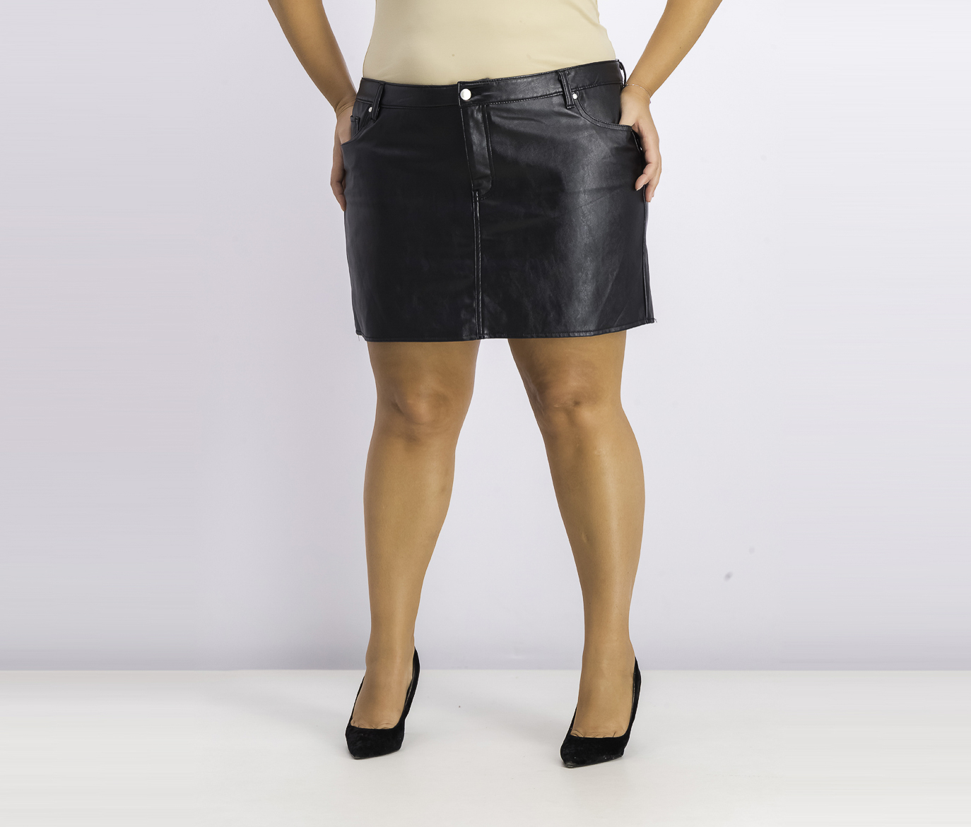 Women's Juniors' Faux-Leather Mini Skirt, Black