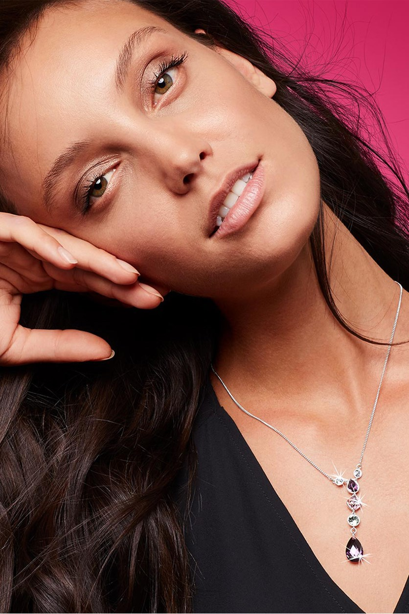 Women's Chain Decorated With Sparkling Tear Drop Shaped Stones Necklace, Silver