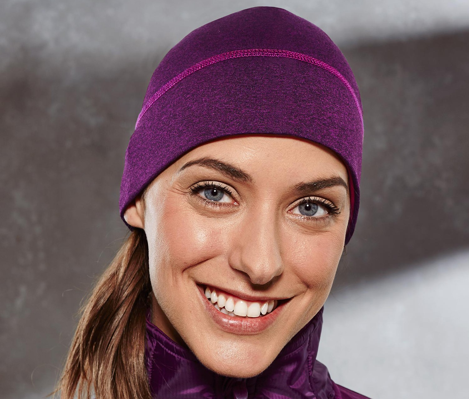 Women Thermo function Cap, Berry